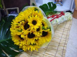 ヒマワリの花束 お誕生日用10-06-06