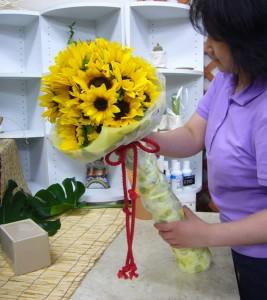 向日葵の花束10-06-06-2