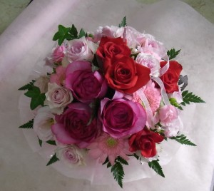 ギュッとお花が詰まったアレンジメント 2