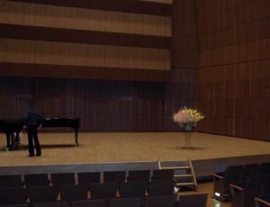 コンサートのお花 ステージ上で