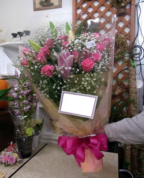 送別用の花束 ピンク系