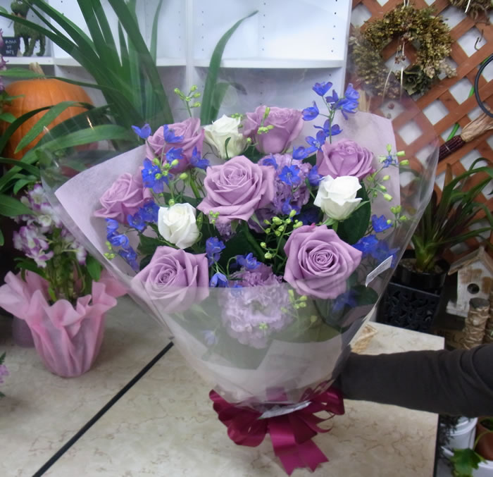 紫・ブルー系の花束