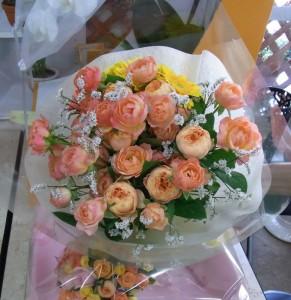 オレンジ・黄色系のブーケ風花束