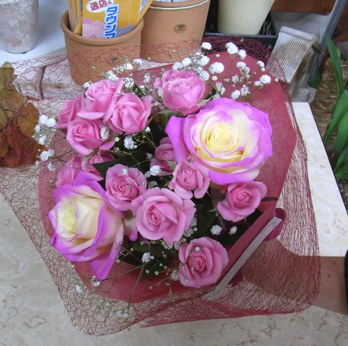 お誕生日に 光るバラ