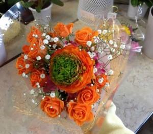 オレンジ系のブーケ風花束