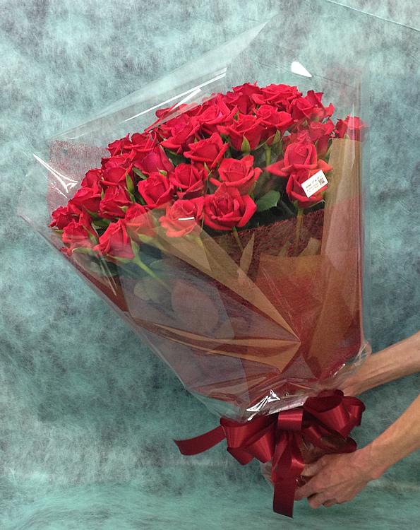38本の赤バラの花束