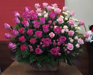 お誕生日のお祝いに バラのみのアレンジメント